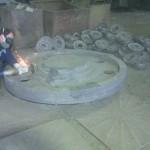 Фотография кранового колеса в процессе обработки